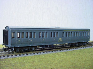 HO Model Trains, 3 x Rivarossi passenger car FS 58406 1/2