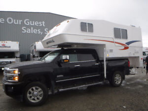 2016 Northern Lite Queen Classic SE 9.6 Long Box  Truck Camper