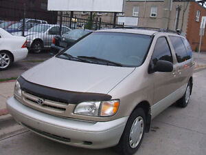 2000 Toyota Sienna LE - 7 Rider, Extremely Clean