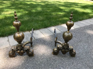 VINTAGE MAJECTIC LARGE DECORATIVE ANDIRONS