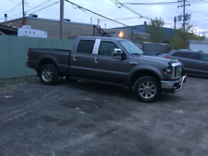 2009 FORD F-350 LARIAT SUPER DUTY CREW CAB  VERY CLEAN !