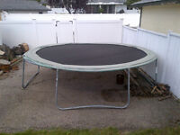 TRAMPOLINE  -  Great fun for the kids!