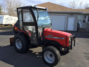 Massey Ferguson 1428V, cab, snowblower, loader