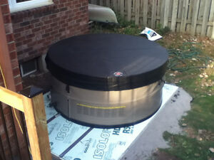 Hot Tub for sale - immaculate, little use
