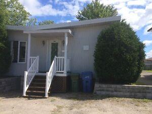 Chambres a louer a deux minutes du Cegep de Jonquiere Saguenay Saguenay-Lac-Saint-Jean image 1