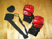 MMA Gloves ATF Red Large/XL + bandages cotton (150inch)