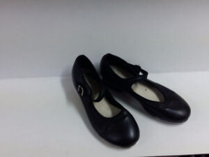Capizio (Mary Jane) Tap Shoes - Womens Size 7 --- OBO