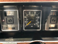 1987 Ford E350 64,167km 403-820-0210 Any interested Please Call
