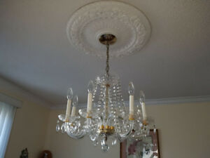8 bulb crystal chandelier bulbs included $100