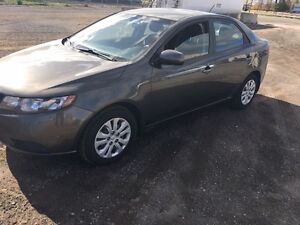 2010 Kia forte London Ontario image 2