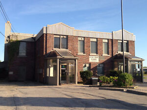 225, 900 and 1500 sf offices in Hyde Park!