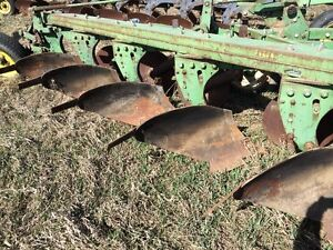 John Deere 680 6 Bottom Plow
