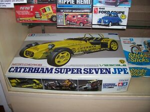OLDER NHRA   AND  HOT WHEELS  COLLECTABLES AND MODEL KITS London Ontario image 3