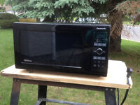 Microwave Oven Panasonic Inverter 1200W - Super Clean!