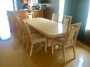 Table, 6 padded chairs w/ matching hutch and display cabinet