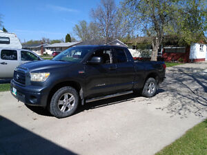 2007 Toyota Tundra 5.7 4x4 *Priced for Quick Sale*
