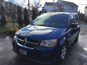 2011 Dodge Grand Caravan (wheelchair ramp included)