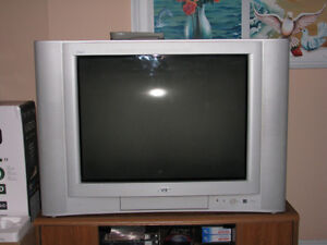"27"" JVC TV 4 inputs with Excellent Surround sound for games"