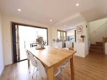 Room for rent in renovated townhouse, 500m to the beach Mermaid Waters Gold Coast City Preview