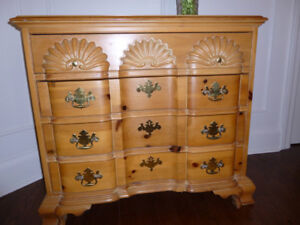 Beautiful 4 Drawer solid wood Chippendale chest
