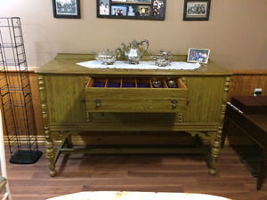 BEAUTIFUL ANTIQUE REFINISHED BUFFET (SIDEBOARD)