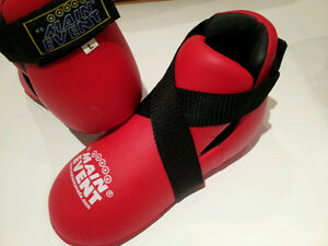 Brand New Top Ten red kickboxing foot pads men's large Gatineau Ottawa / Gatineau Area image 1