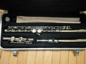 Flute for student. Hardly used, sold as is