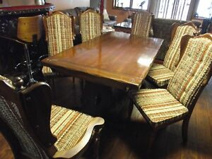 Solid Pine wood dining room table and 6  chairs .Reduced to $495 Peterborough Peterborough Area image 3