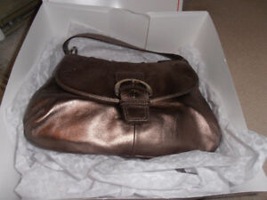 NEW LEATHER COACH BAG- GREAT CHRISTMAS GIFT!