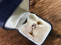 Stunning 14Ct gold ring with real diamond and pearl Size N