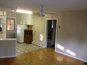 2 bedroom apt @ 165 Brookside Drive