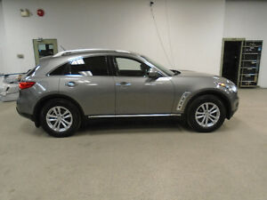2009 INFINITI FX35 TECH PKG! NAVI! 1 OWNER! 303HP! ONLY $22,900!