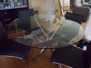 """47"""" Round Glass Table with 4 Chairs"""