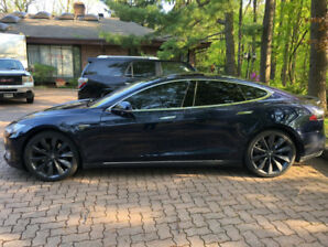 2013 TESLA MODEL S PERFORMANCE 85 - FULLY LOADED.