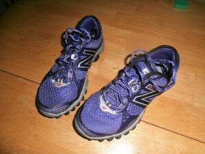 Girl's NB Shoes Size 6