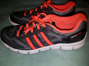 MENS SIZE 8 ADIDAS CLIMA COOL SHOES