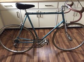 VINTAGE FALCON RETRO ROAD RACING BIKE IDEAL STUDENT COMMUTER BICYCLE CHROME FORKS METALLIC BLUE