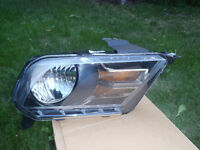 2010 MUSTANG GT  LEFT HEADLAMP
