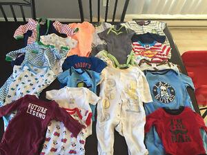 Vêtement pour garçon entre 0-24 mois