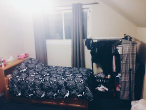 MCMASTER SUMMER SUBLET  (MAY 1 - AUG 31)