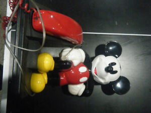 Mickey Mouse digital dial phone