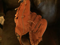 Leather baseball glove - for right hander