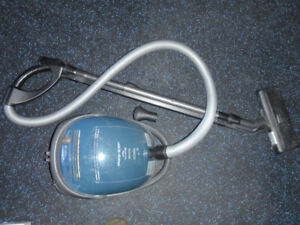 Bosch Canister Vacuum