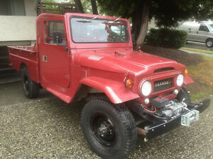 Land Cruiser FJ45 Pickup 1977 great condition