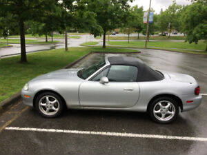 2002 Mazda MX-5 Miata Coupe (2 door)