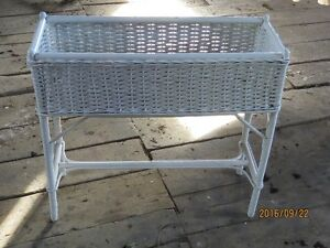 ANTIQUE  WHITE WICKER PLANT STAND Peterborough Peterborough Area image 2