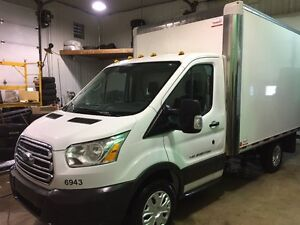 2015 Ford Transit T-250 CUBE 12 PIEDS