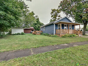 Bungalow in Fort Erie, new kitchen, bathroom and appliances
