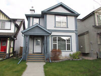 IDEAL 3-BDRM DETACHED HOME WITH DOUBLE GARAGE IN SHERWOOD PARK
