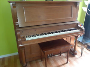 Antique Piano - late 1800s to early 1900s - Very good condition